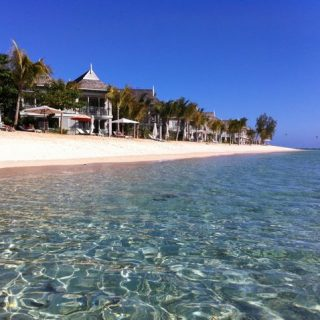 le-morne-beach-st-regis-mauritius-photo