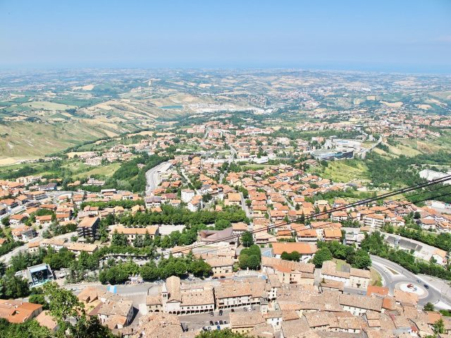 panoramic-view-san-marino-photo