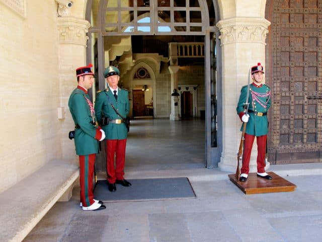 guard-of-the-rock-san-marino-photo