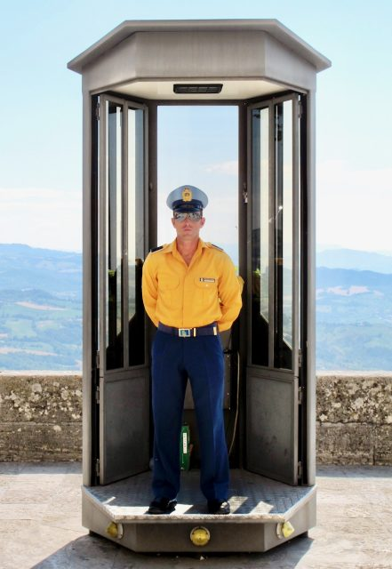 san-marino-guard-photo
