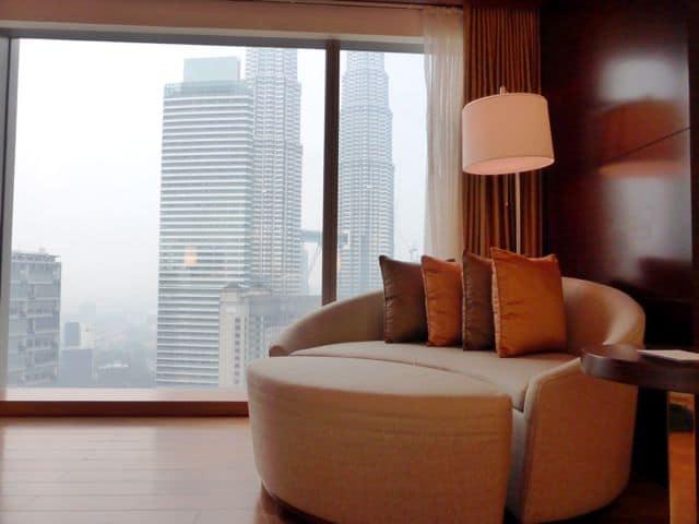 grand-hyatt-kl-room-sofa-photo