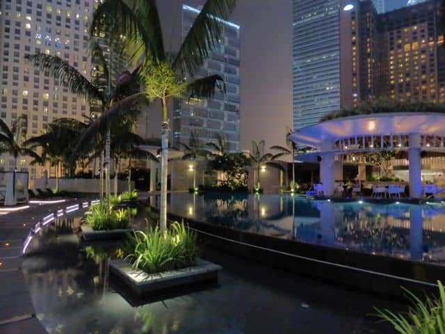 poolside-restaurant-grand-hyatt-photo
