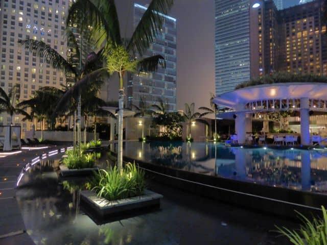 poolside-restaurant-grand-hyatt-photo