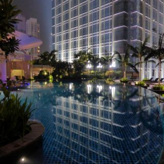 grand-hyatt-kl-pool-night-photo