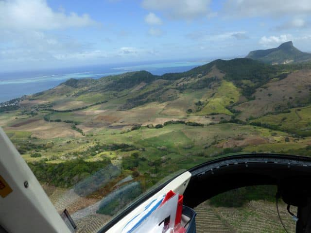 mauritius-mountains-fields-photo