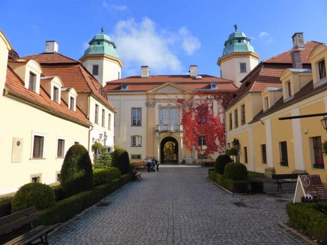 ksiaz-castle-entrance-photo