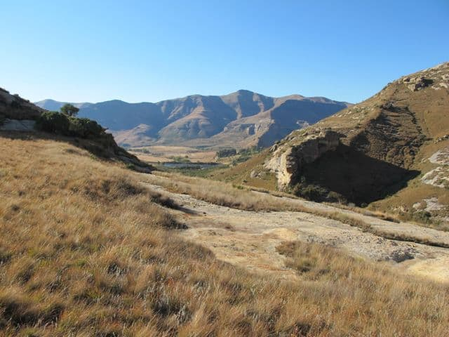 horse-back-riding-clarens-scenery-photo