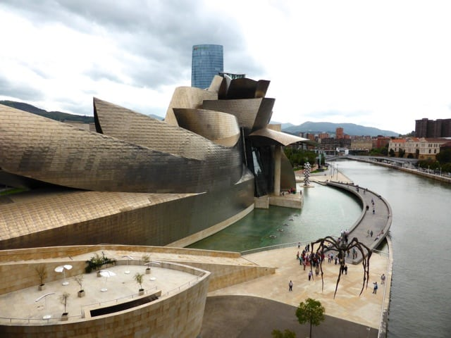 guggenheim-museum-bilbao-photo