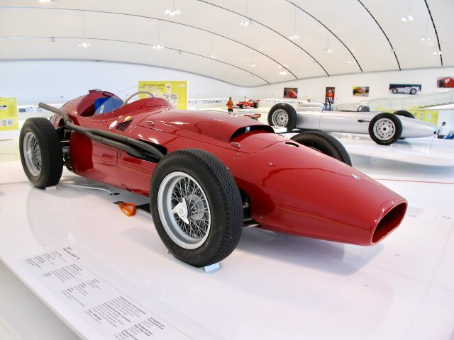 maserati-250f-t2-enzo-ferrari-photo