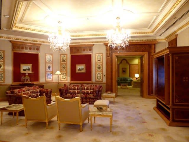 emperor-suite-empire-hotel-brunei-photo