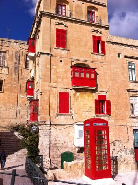 red-telephone-box-malta-photo