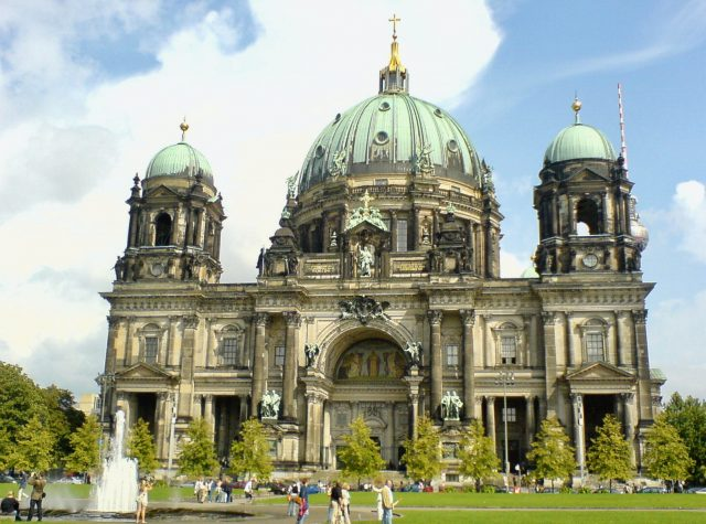 berlin-dom-cathedral-photo
