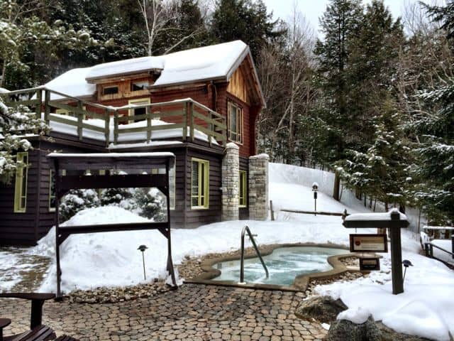 spa-scandinave-mont-tremblant-pool-photo