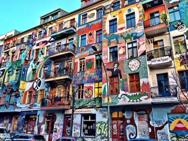 colorful-murals-friedrichshain-photo