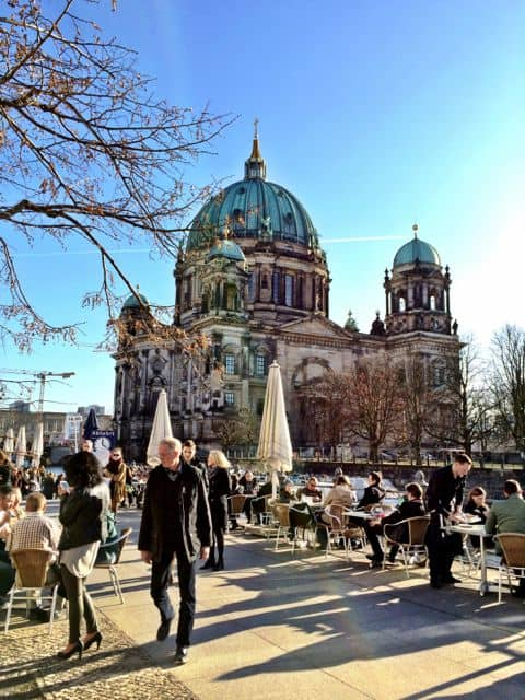 cafes-berlin-cathedral-photo