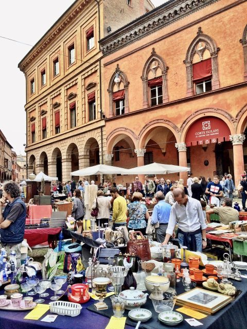 bologna-flea-market-photo