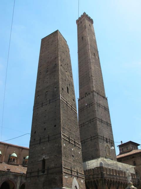 two-towers-bologna-photo