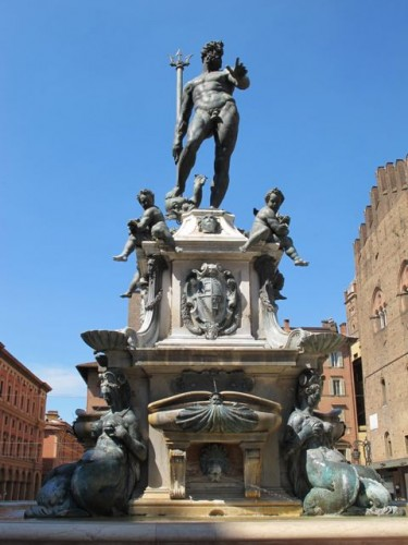 neptune-statue-bologna-photo