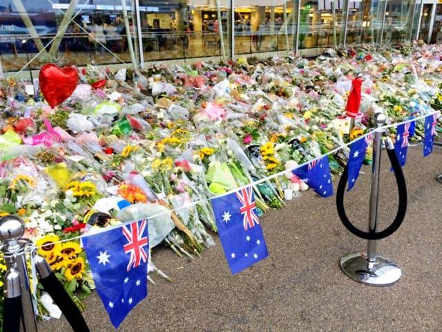australian-flag-mh17-memorial-photo