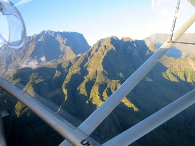 flight-tour-reunion-mountains-photo