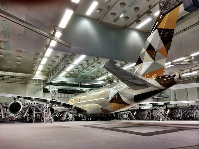etihad-airways-a380-hangar-photo