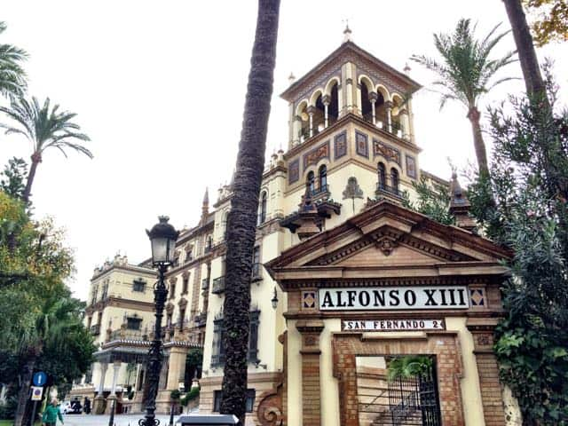 experiencing the epic hotel alfonso xiii in sevilla. Black Bedroom Furniture Sets. Home Design Ideas
