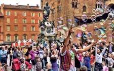 bologna-bubbles-photo