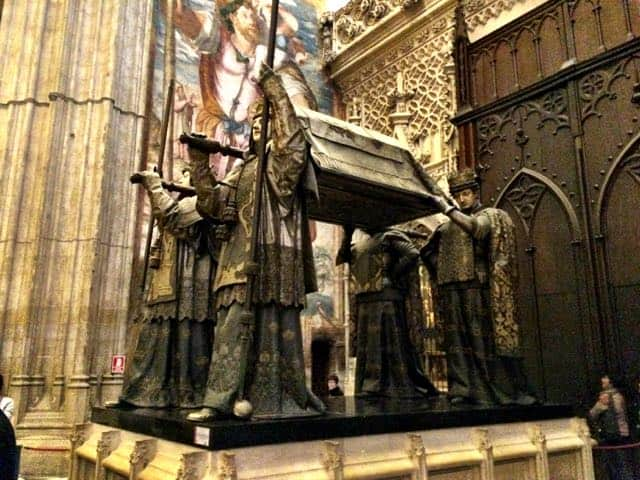 christopher-columbus-tomb-sevilla-photo