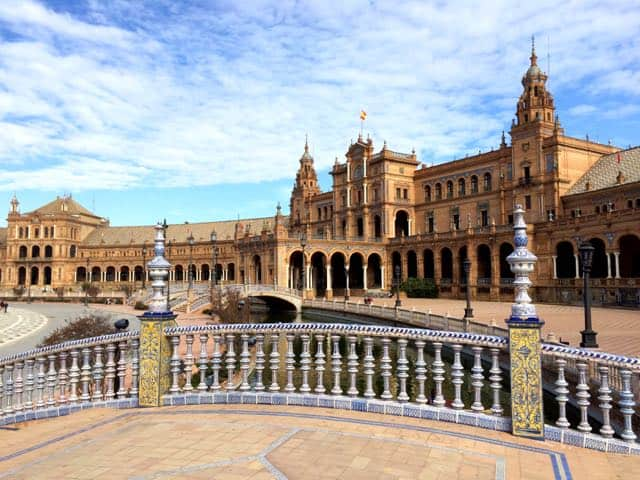 plaza-espana-sevilla-bridge-photo