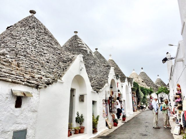 alberobello-trulli-photo