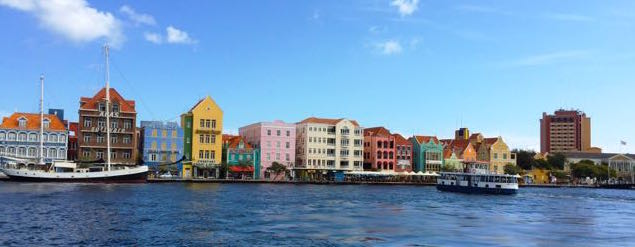 handelskade-willemstad-curacao-photo