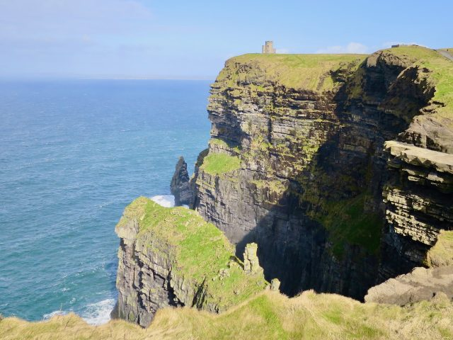 cliffs-of-moher-o-briens-tower-photo