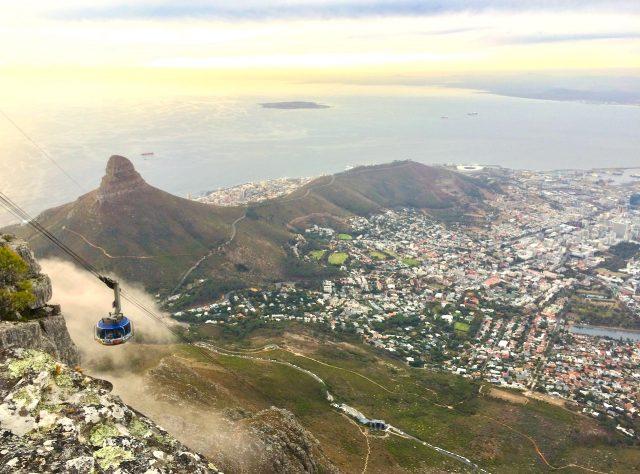 table-mountain-peak-view-photo