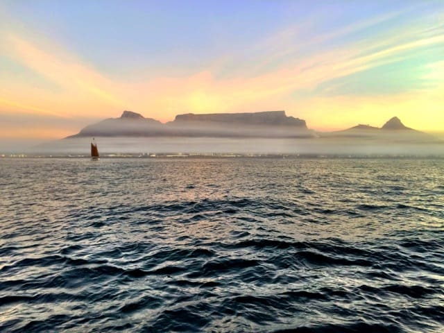 table-mountain-cape-town-sunset-view-photo