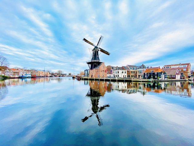 windmill-holland-photo