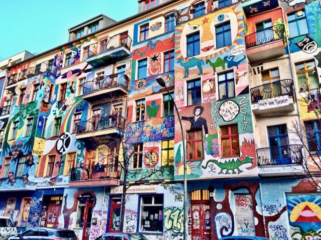 colourful-buildings-Friedrichshain-berlin-photo