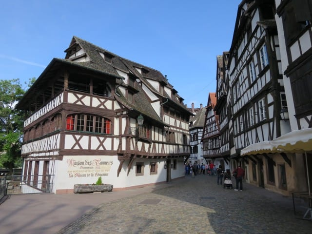 petit-france-street-strasbourg-photo