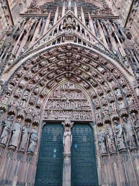 strasbourg-cathedral-entrance-photo
