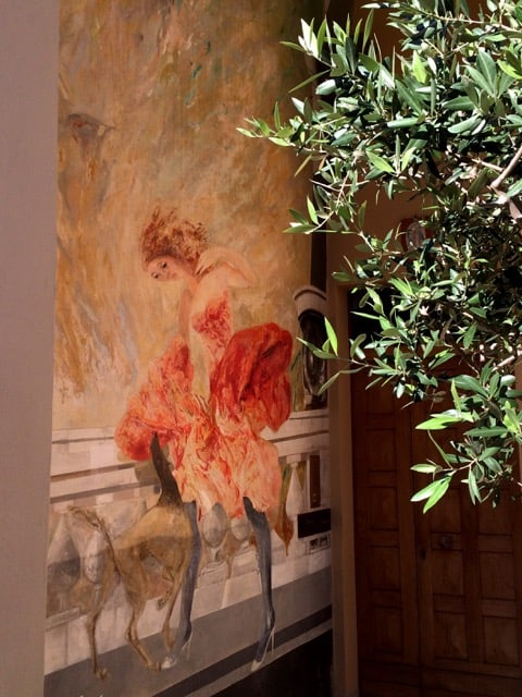 courtyard-mural-dozza-photo