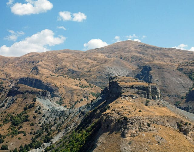 Selim-Pass-Armenia-photo