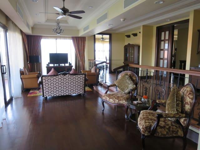 living-area-presidential-suite-casa-del-rio-melaka-photo