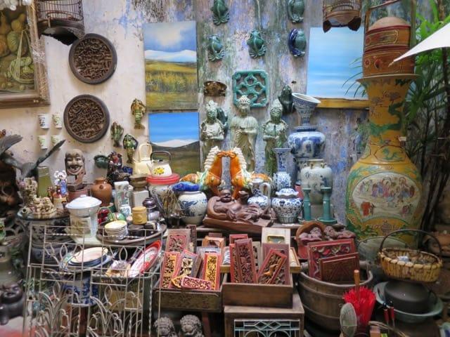 antique-shop-malacca-photo