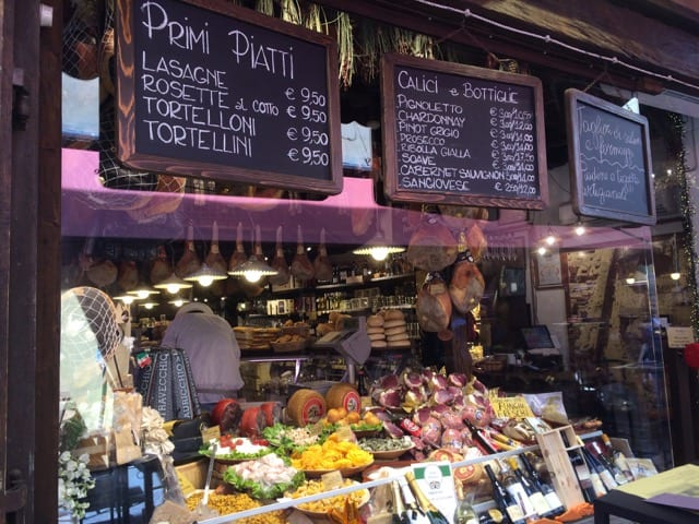 deli-shop-bologna-photo