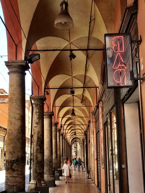 bologna-portico-photo