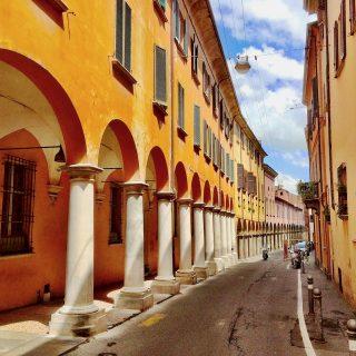 bologna-street-arcade-photo