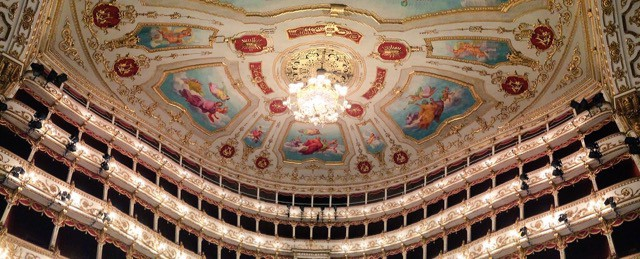 teatro-municipale-reggio-emilia-photo