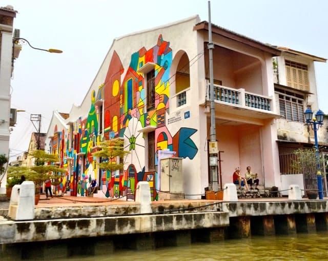 colorful-house-melaka-river-photo