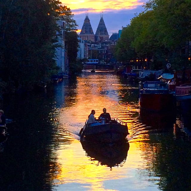 sunset-in-amsterdam-photo