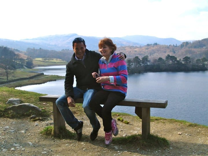 Me and Zöe sitting on the Velvet Escape bench in the Lake District, England.