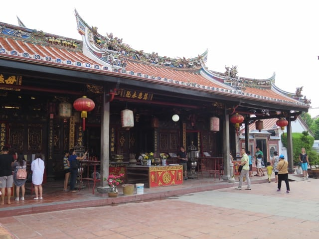 chinese-temple-malacca-photo